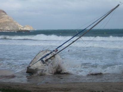 Temporal con naufragio en San José