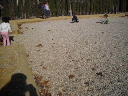 Parque infantil, parque minado