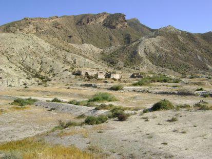 cortijada en el desierto de tabernas