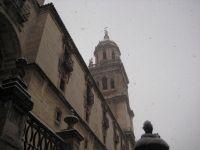 Nieve sobre la torre de las campanas