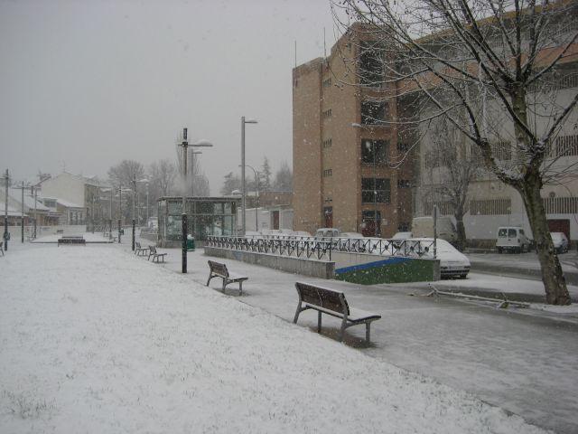 La nieve empieza a cubrirlo todo