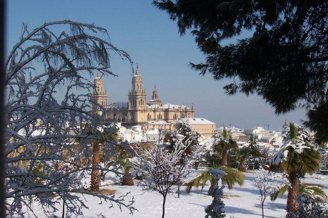 Catedral de Jaén al fondo