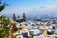 Catedral con nieve