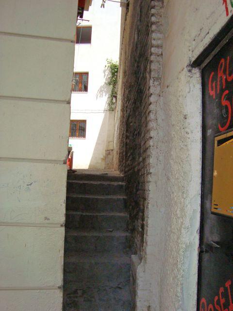 La calle mas estrecha