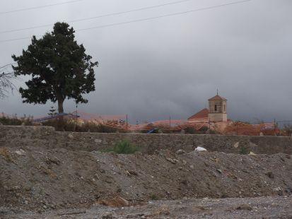 iglesia de pechina al fondo