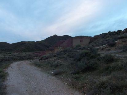 camino acia la montaña