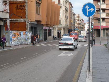 ¿cuando  pasa el peaton  sin riesgo de accidente? Sin Semaforo y sin guardia