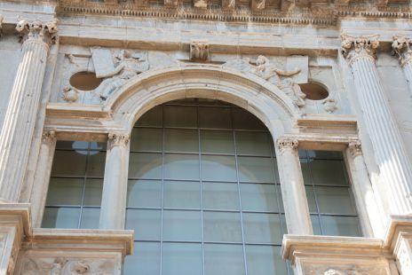 Fachada del Palacio de Carlos V