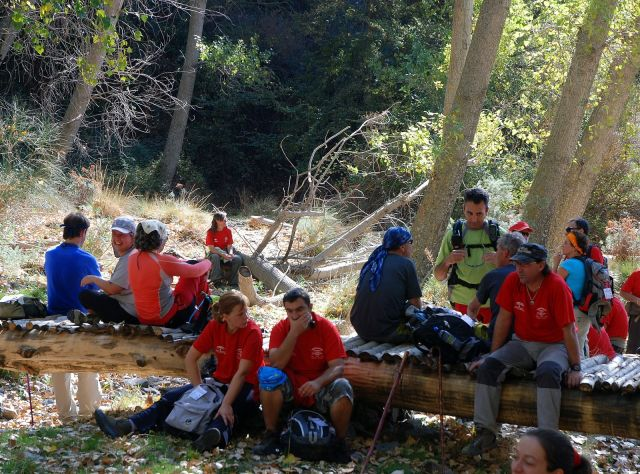 Soportújar, senderistas descansando 101010