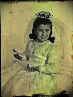 mi madre en su primera comunion
