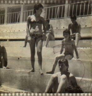 mi madre en la piscina neptuno