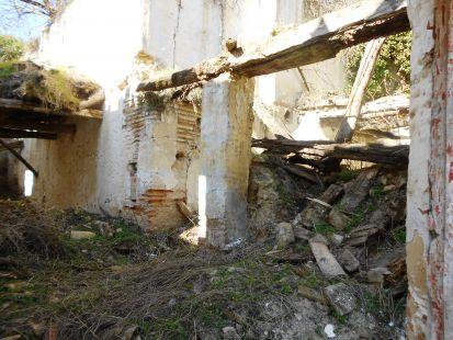Ruinas en la ribera del río Darro