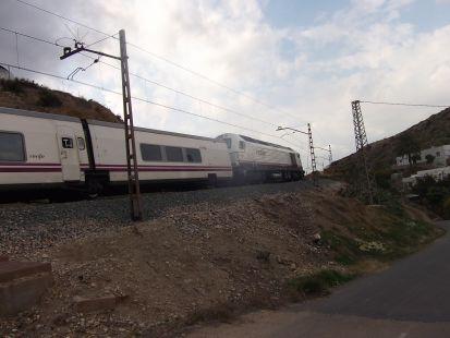 tren almeria granada