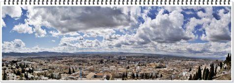 Granada bajo las nubes