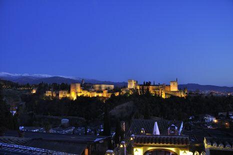 Alhambra en la hora azul