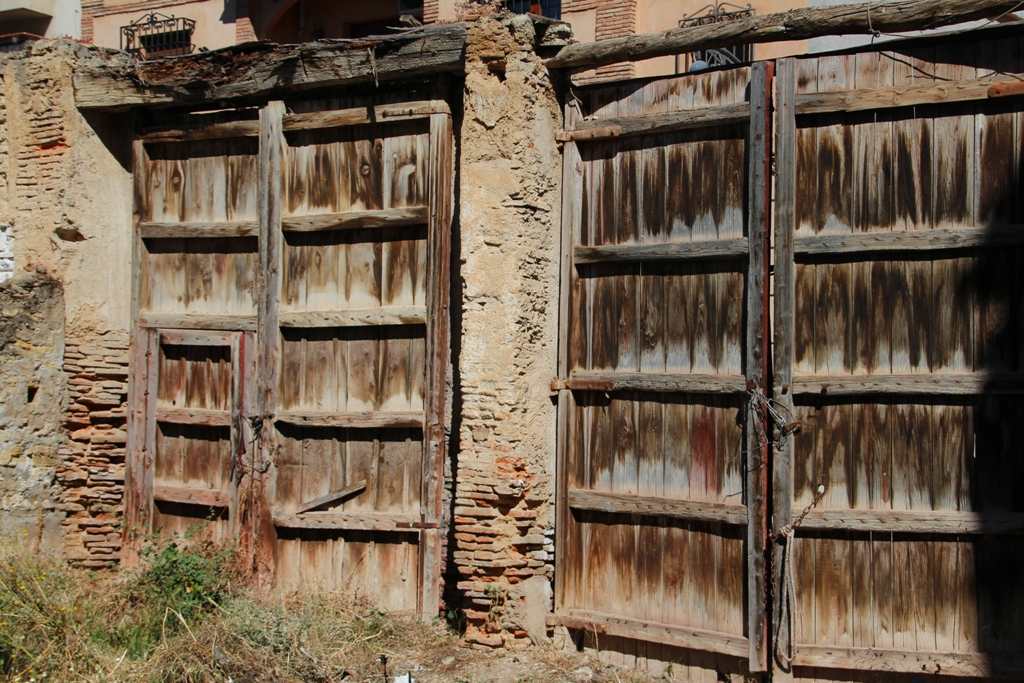 Portones de madera antiguos fotos de granada y rea for Porton madera antiguo