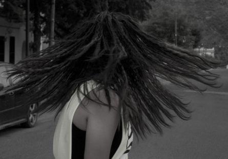 paola con su pelo