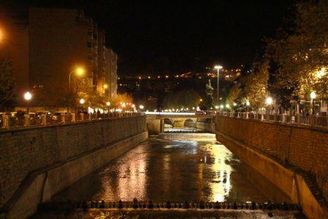 Entre el Salón y el Río