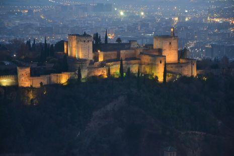 la alhambra iluminada