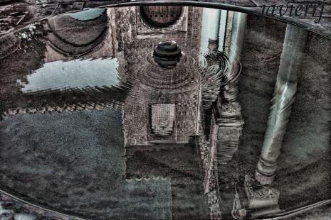 reflejo en la fuente