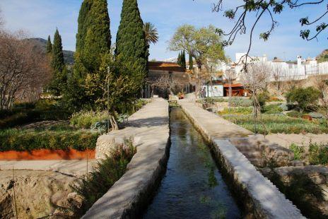 acequia en el Jardín Nazarí