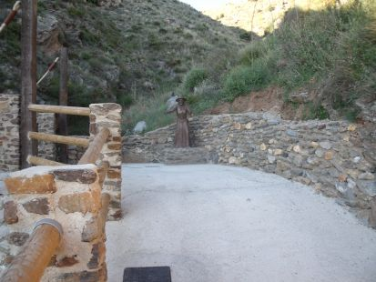 Soportújar, Bruja en Puente Encantado,  030514